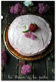 Dessert glacé maison à la fraise, léger comme un nuage