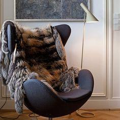 louis poulsen aj - Arne Jacobsen Ægget med pälspläd