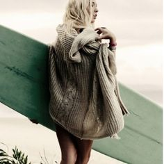 The Leila Shrug - boho surfer love Beach Wear, Beach Bum, Look Fashion, Girl Fashion, Womens Fashion, Hippie Chic, Boho Chic, Bohemian, Hippie Gypsy