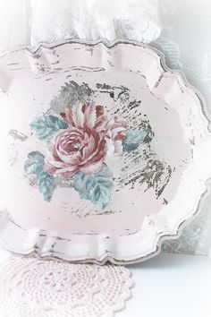 Vintage Shabby  Chic Cottage  Decor. Shabby Distressed Floral