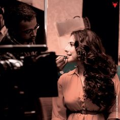 Vidya Balan caught in a candid moment on the sets of #ShaadiKeSideEffects