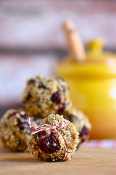 Chocolate Chip Quinoa Trail Mix Balls I would sub out sugars and use sugar free choc chips