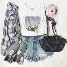 Image via We Heart It https://weheartit.com/entry/166825863 #bag #clothes #outfit #polaroidcamera #short #sunglasses