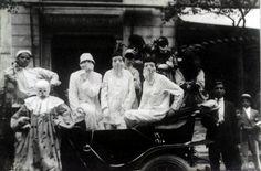 O Rio de Janeiro de Antigamente: Janeiro 2011  Mascarados no Corso. 1916. Foto de Augusto Malta