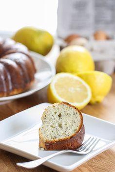 Lemon Poppy Seed Yogurt Cake by www.eatliverun.com