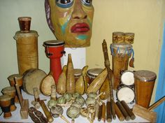 Art: Music is important to the Cuban culture. The African and Spanish cultures have combined to make unique rhythm and sounds. In Cuba they use maracas, guitars, bongo, trumpets, and the tres.