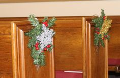 Focus on Christmas 2013 - Closeup on the pew decorations