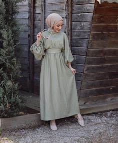 Modest Fashion Hijab, Modesty Fashion, Modest Outfits, Fashion Dresses, Muslim Women Fashion, Hijab Fashion Inspiration, Stylish Dresses For Girls, Kebaya, Ootd