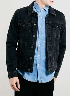 Shop our huge choice of men's coats and jackets at Topman. Parkas, peacoats, bombers, denim jackets and more! Black Denim Jacket Outfit, How To Wear Denim Jacket, Levi Denim Jacket, Herren Outfit, Men's Coats And Jackets, Denim Jackets, Swagg, Menswear, Washed Denim