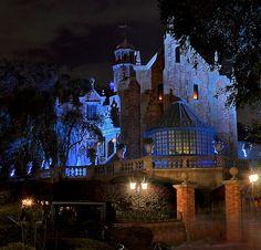 Haunted Mansion - Walt Disney World, Orlando Disney World Resorts, Disney Vacations, Disney Parks, Walt Disney World, Disney Trips, Haunted Mansion Disney World, Disney Dream, Disney Love, Disney Disney