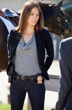 Picture: Kristin Kreuk in 'Beauty and the Beast.' Pic is in a photo gallery for Kristin Kreuk featuring 29 pictures. Kristin Kreuk, Female Cop, Female Fighter, Female Face, Detective Outfit, Catherine Chandler, Beauty And The Beast Costume, Masquerade Costumes, Canadian Actresses