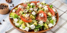 Menú semanal: plan de comidas de 1200 calorías para perder peso rápido - Adelgazar en casa Caprese Salad, Cobb Salad, Weight Loss Drinks, Sin Gluten, Eating Plans, Superfoods, Salads, Curry, Healthy Eating