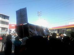 AREQUIPA. Comerciantes de la plataforma Andrés Avelino Cáceres realizaron plantón de protesta http://hbanoticias.com/10547