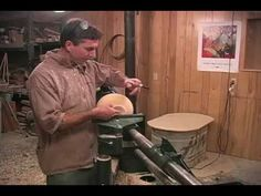 Hollow Forms and Lidded Urns with Mike Mahoney (woodturning DVD preview)