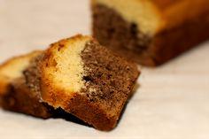 Plumcake. Scopri tutte le altre bontà in vendita su: www.demarca.it Banana Bread, Desserts, Food, Tailgate Desserts, Deserts, Eten, Postres, Dessert, Meals