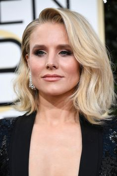 Kristen Bell Shows Her Makeup-Free Face Before the Golden Globe Awards Celebrity Hairstyles, Trendy Hairstyles, Bob Hairstyles, Wedding Hairstyles, Red Carpet Hairstyles, Pixie Haircuts, Braided Hairstyles, Medium Long Hair, Medium Hair Styles