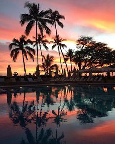 「Last night✨✨ #thankful #hawaiilife #honolulu #beach #sunset #beatiful#instaphoto #instagood#nofilter #マジ綺麗#神秘的#加工なし」