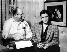 1955    Elvis tekende zijn eerste contract met RCA Records dankzij zijn manager Colonel Tom Parker.
