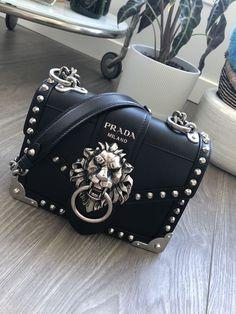 62 idées de #Prada | sac à main, sac, sac luxe