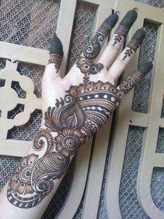 Eid Girls Mehndi Henna Designs 2020 - Bise World Henna Tattoo Designs Arm, Hena Designs, Stylish Mehndi Designs, Henna Designs Easy, Beautiful Mehndi Design, Arabic Mehndi Designs, Mehndi Patterns, Latest Mehndi Designs, Bridal Mehndi Designs