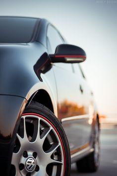 "Volkswagen Golf GTi (mkV) <a href=""https://www.flickr.com/photos/andreybk/"">Flickr</a> <a href=""https://www.facebook.com/AndreyBkPhoto"">Facebook</a> <a href=""http://andreybk.tumblr.com"">Tumblr</a>"