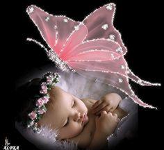 Baby with a beautiful butterfly. http://www.grafiksmania.com/glitter/farfalle/w8mukio8amq.gif