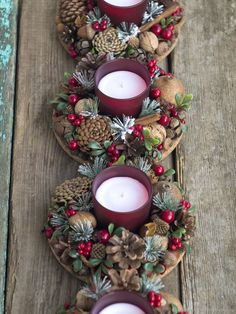 Christmas Candle Decorations, Christmas Candles, Christmas Mood, Christmas Wreaths, Christmas Ornaments, Driftwood Christmas Tree, Holiday Crafts, Holiday Decor, Deco Floral