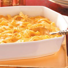 German Noodle Bake Recipe- Recipes This is a recipe I serve each year for my holiday open house because everyone looks for it. Store-bought noodles can be substituted, but I prefer homemade noodles. Easy Dinner Recipes, Pasta Recipes, Baking Recipes, Casserole Recipes, Yummy Recipes, Dinner Ideas, German Noodles, Main Dishes, Gastronomia