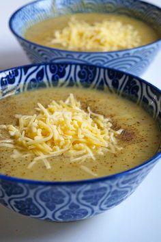 Bloemkool broccoli soep met kaas - Focus on Foodies, Veggie Recipes, Low Carb Recipes, Soup Recipes, Easy Diner, Healthy Slow Cooker, Post Workout Food, Dutch Recipes, Weird Food, Vegan