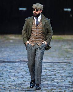 "Gefällt 1,696 Mal, 38 Kommentare - A Poor Man's Millions (@apmmillions) auf Instagram: ""Modern Peaky Blinder in Edinburgh with @walkerslater Shoes by @herringshoes @julien_borghino_…"""
