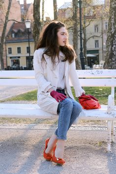 Fashion blogger Veronika Lipar of Brunette From Wall Street sharing how to style red and pink in one outfit
