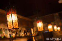 (画像31/33)渡辺美優紀、ワイン片手に大人の色気漂う「女のひとりバー飲み」気になる疑問をマスターに聞く<みるきー オトナ行き Vol.39>