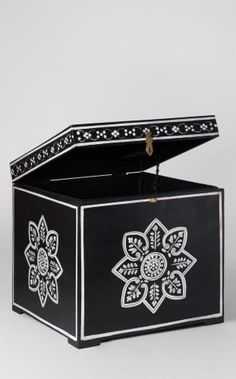 The Yulin storage box, dark night. Painted entirely by hand and adorned with a floral motif, the Yulin adds a subtle folksy touch to a space, turning the storage box into a bonafide accent piece in its own right. A beautiful, bohemian storage solution. Shabby Chic Storage Boxes, Monochrome Interior, Small Hallways, Storage Design, Small Storage, Floral Motif, Design Crafts, Home Decor Inspiration, Accent Pieces