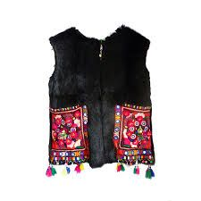 This Pin was discovered by uğu Cape Designs, Blouse Designs, Boho Fashion, Daily Fashion, Fashion Outfits, Iranian Women Fashion, Afghan Dresses, Embroidered Jacket, Clothing Hacks
