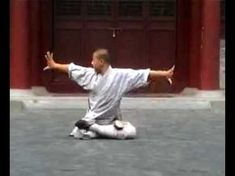 Shaolin basic kung fu 3: drills, stretching, acrobatics - YouTube