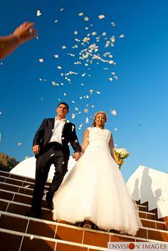 Mitzis Bluedomes Kardamena Kos confetti for the bride and groom on the wedding day