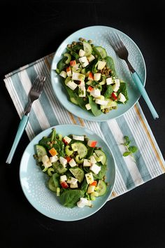 Super pożywna sałatka z zieloną soczewica i selerem naciowym