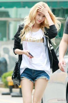 Yoona / Girls Generation  #streetstyle
