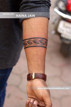 New Skin Machine Tattoo Studio Celtic Band Tattoo, Tribal Band Tattoo, Wrist Band Tattoo, Forearm Band Tattoos, Tribal Shoulder Tattoos, Tribal Arm Tattoos, Mens Shoulder Tattoo, Maori Tattoo Arm, Band Tattoos For Men