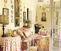 Sunroom, home of Donna Kaplan. Interior Design by Lyn von Kersting published Traditional Home 2004 English Country Decor, French Country Style, French Decor, French Country Decorating, Yellow Family Rooms, Ferrat, Plates On Wall, Plate Wall, Cottage Style