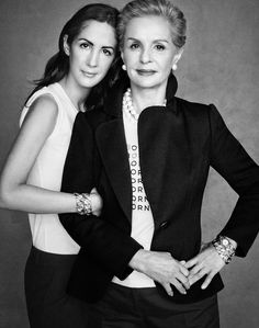 A Family Affair: Carolina Herrera with daughter Patricia Herrera Lansing are proud supporters of the Born Free Africa initiative to eliminate the. Mother Daughter Poses, Mother Daughter Pictures, Mother Daughter Photography, Mother And Child, Mother Daughters, Mothers, Family Shoot, Family Posing, Family Portraits