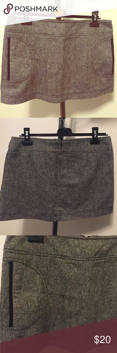 Fall/winter skirt Used but great condition!!! 👍 mini skirt, has two pockets, warm for chilly weather 🌂 it is 48 European size and 8-10 us size. I wear 6 and it's big to me. Price is negotiable, let me know if you want me to model it 😉 incity Skirts Mini