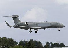 Italian Air Force (Aeronautica Militare) G550 CAEW  N554GA (14-12)
