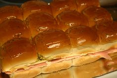 Ham Delights- warm hot ham sandwiches, great for game day! Hot Ham Sandwiches, Party Sandwiches, Soup And Sandwich, Talegate Food, Good Food, Yummy Food, Tasty, Fall Recipes, Real Food Recipes
