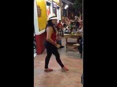 Ella baila Salsa con su propio estilo /// Timbalero Gran Combo /// @sals...