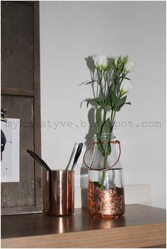 Kreatyve: DIY -Flaschen Vase mit Blattkupfer