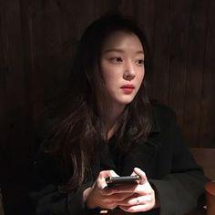 🌝 Korean Actresses, Korean Actors, Selfies, Ulzzang Korean Girl, Blackpink Jennie, Makeup Goals, Korean Beauty, Jaehyun, Girl Crushes