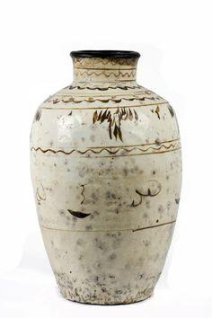 A large earthenware cask Cizhou, China