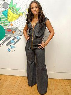 Love Alicia Keys' style.