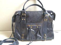 Le produit JADE bleu marine new collection est vendu par Myla__Boutique dans notre boutique Tictail. Tictail vous permet de créer gratuitement en ligne un shop de toute beauté sur tictail.com